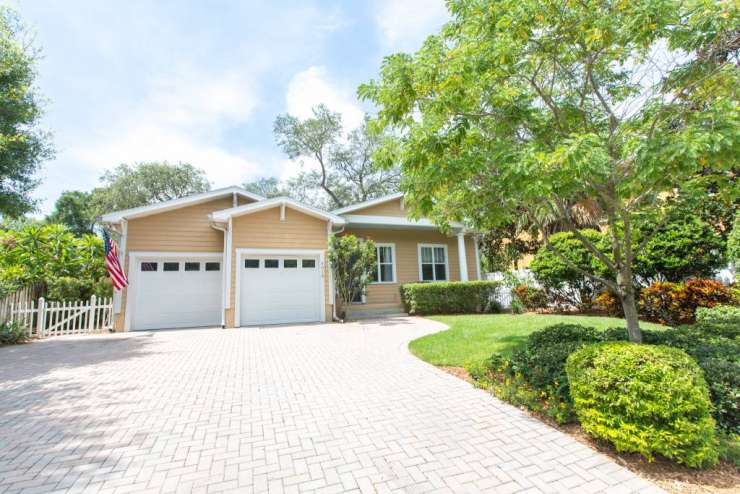 Newer Construction House in South Tampa!